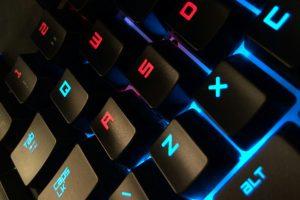 【ゲーミングデバイス】ゲーム向けおすすめマウス/キーボード/モニタ/ヘッドセット